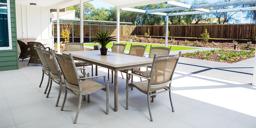 beauaraba_living_brookstead_and_pampas_houses_outdoor_dining_area
