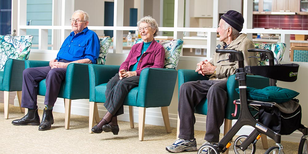 beauaraba_living_brookstead_and_pampas_houses_residents_in_sitting_area
